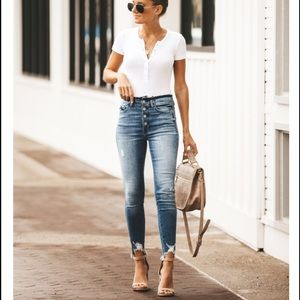 Denim - High Waisted Frayed Ankle Skinny